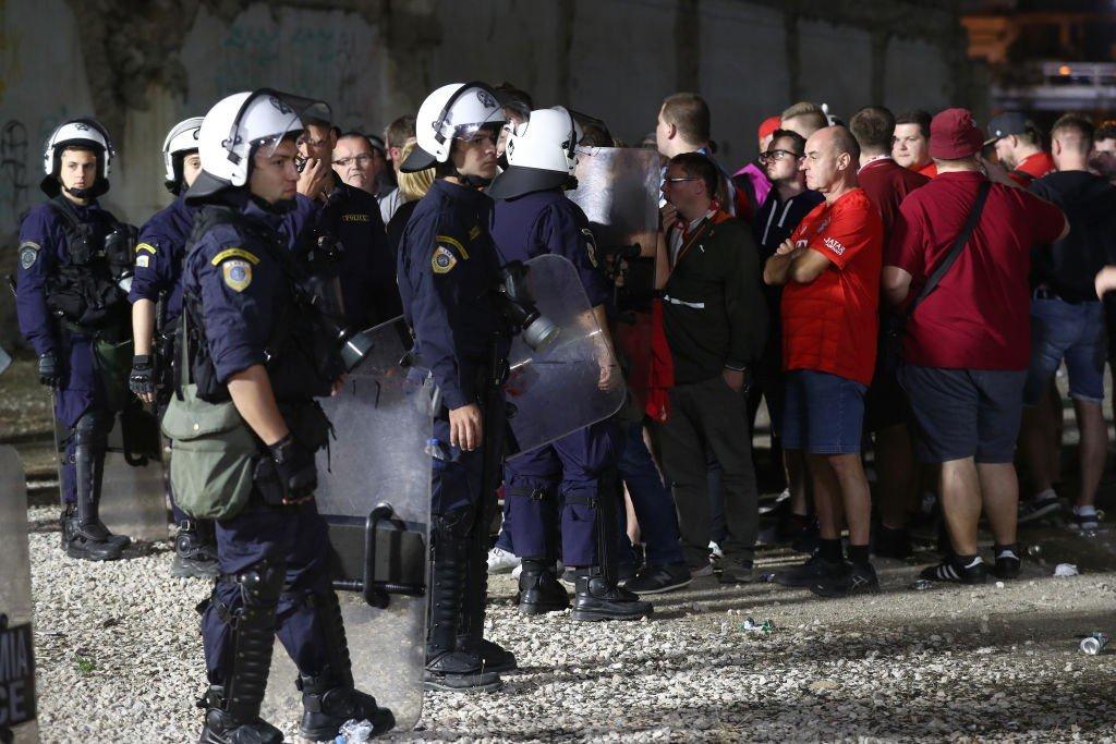 Unschöne Szenen in Piräus: Ausschreitungen beim Youth League-Spiel überschatten die CL-Reise nach Griechenland
