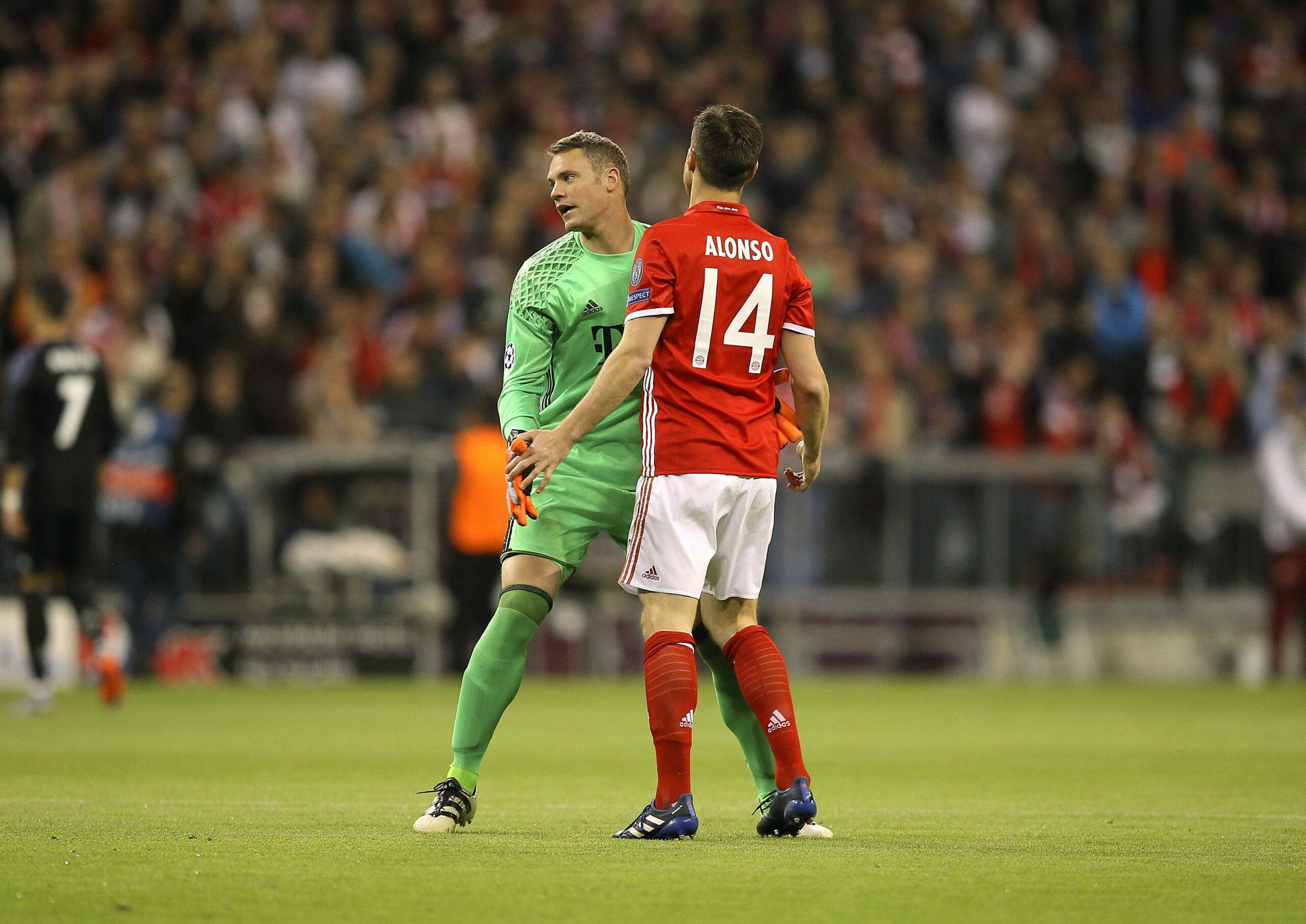 Manuel Neuer und Xabi Alonso